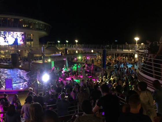Sampler cruises such as on Explorer of the Seas may feature extra parties.