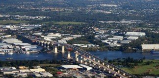 The Gateway Bridge, currently preventing larger ships from being able to navigate to the centre of Brisbane.