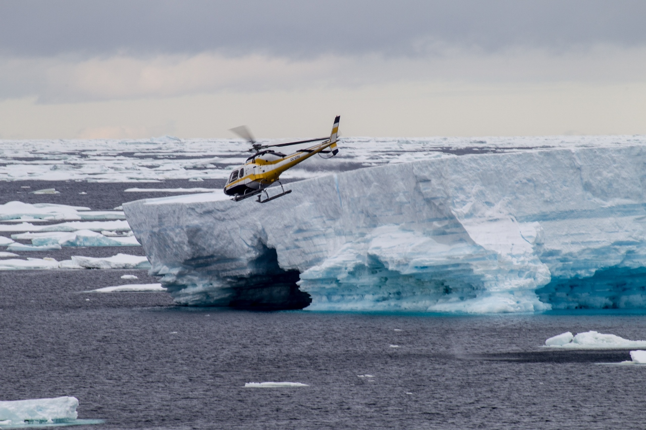 Helicopter flight over the Ross Sea Ice Shelf