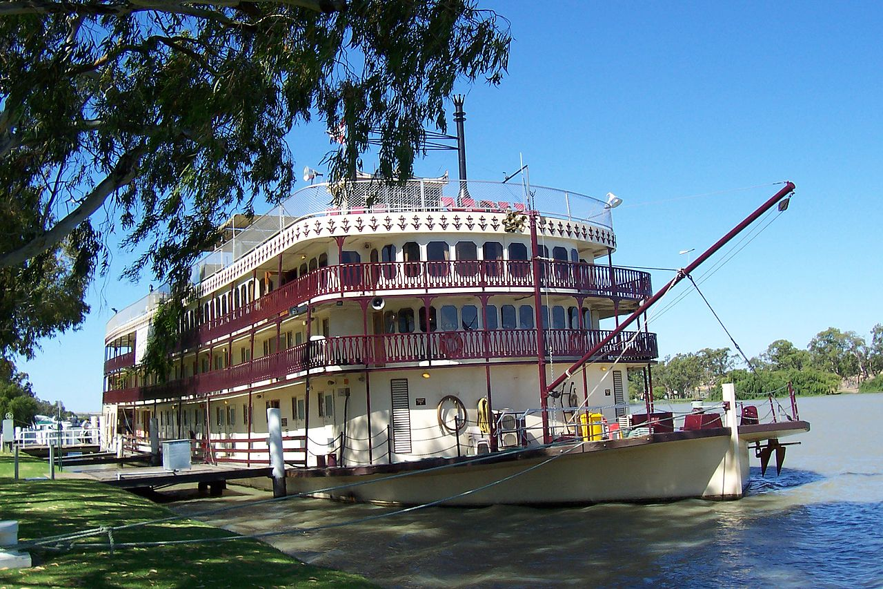 Sail the Murray River with Captain Cook Cruises