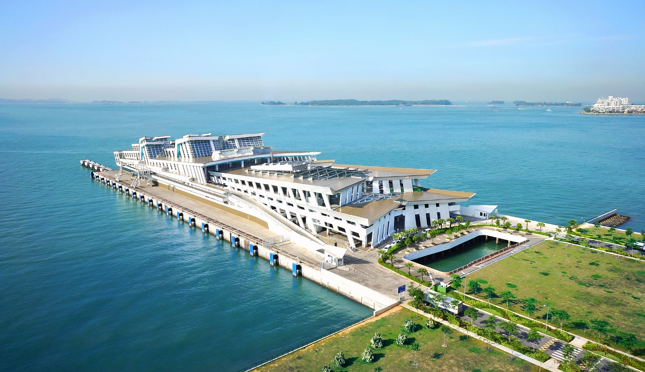 The Singapore Cruise Centre offers voyages to a wide range of ports in Asia.