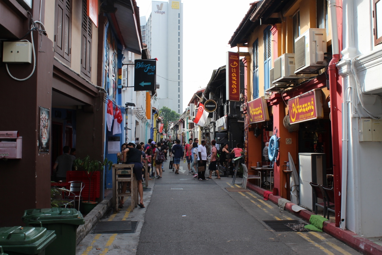 Narrow lanes everywhere in Singapore leave so much to be discovered.