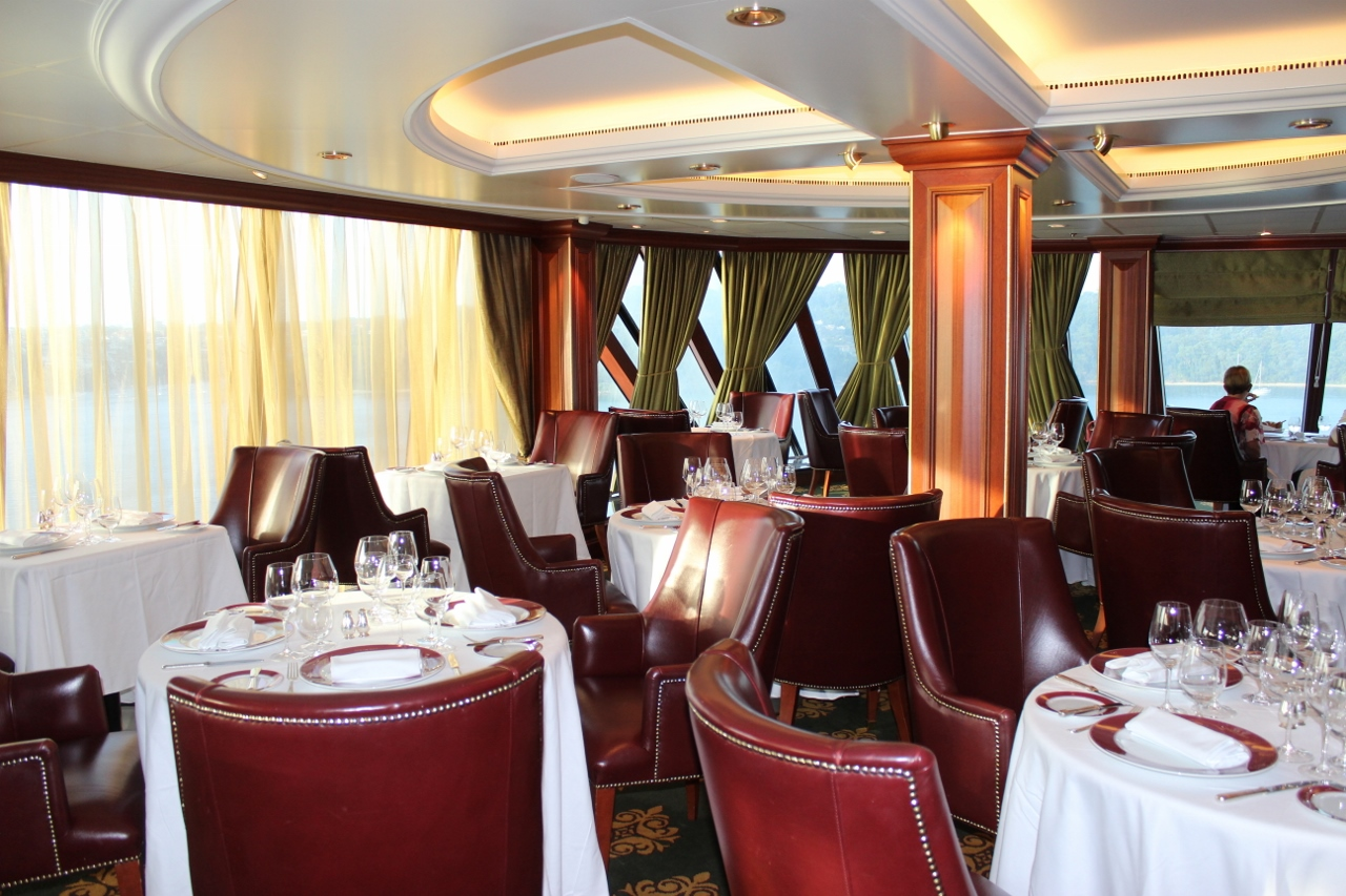 Polo Grill aboard Oceania Marina is a popular complimentary dining option.