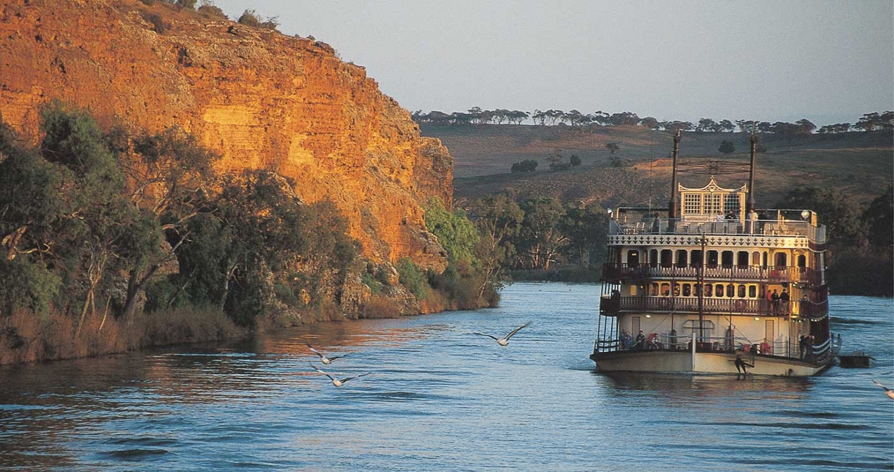 Some amazing landscapes and a real dose of Australiana can be enjoyed on the Murray Princess paddlewheeler.