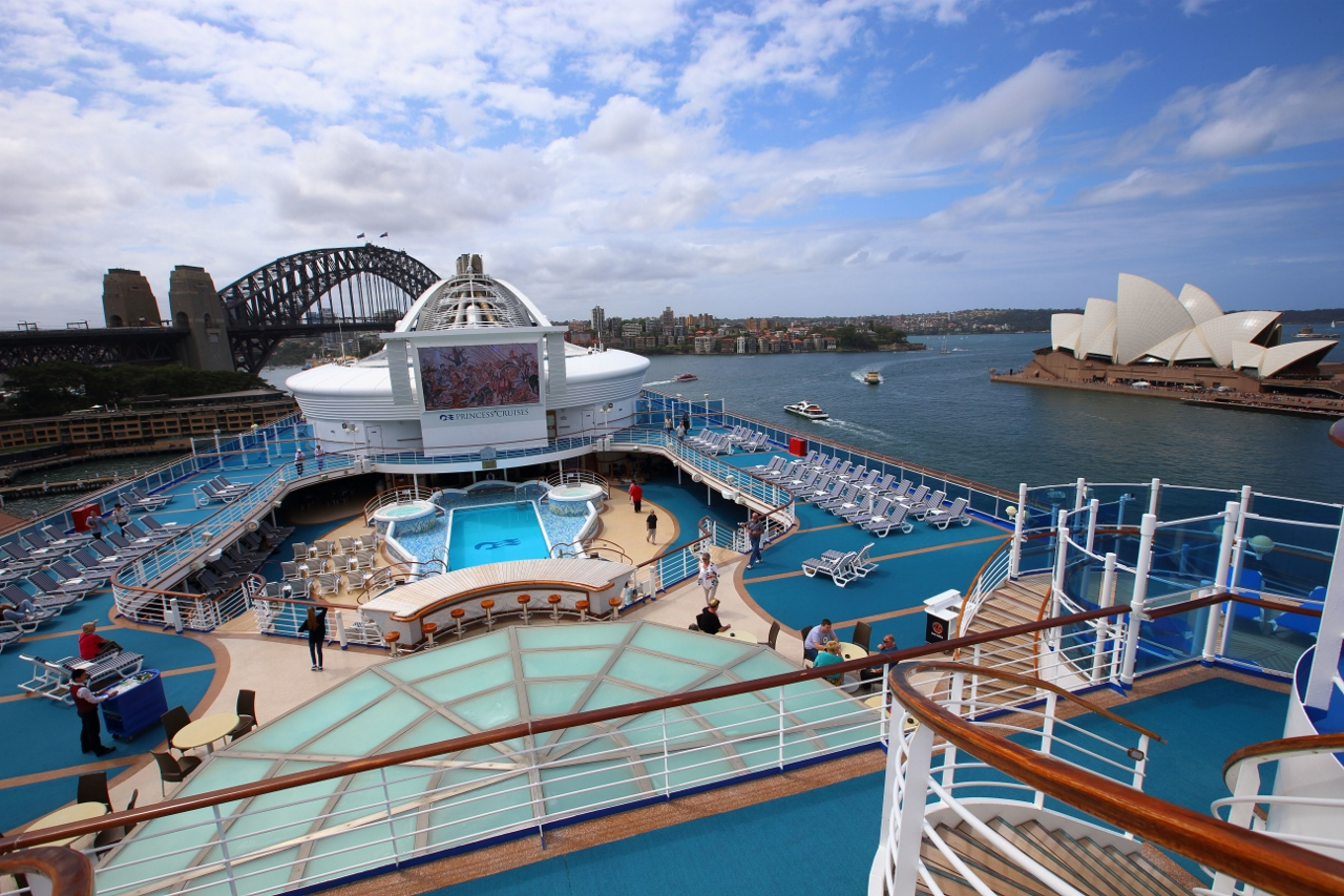 Take advantage of Golden Princess' multitude of facilities on the lines new Adelaide and Melbourne departures to Tasmania,