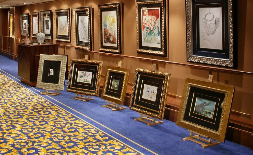 An extensive art collection features on Queen Mary 2.