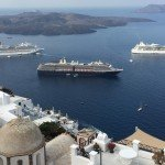 A daily cap could limit the number of cruise arrivals in Santorini