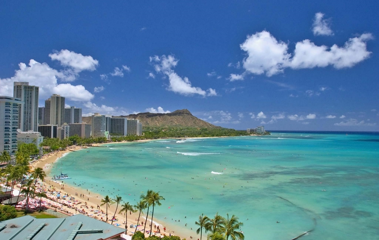 Perfect blue waters and white sand beaches in Hawaii.