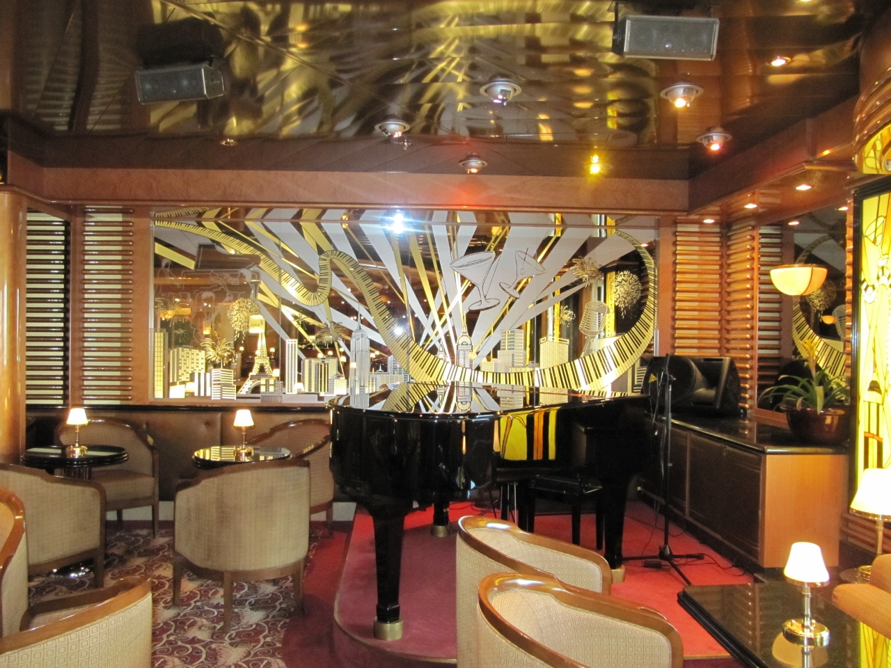 Crooner's Bar is a favourite afternoon spot on Emerald Princess.