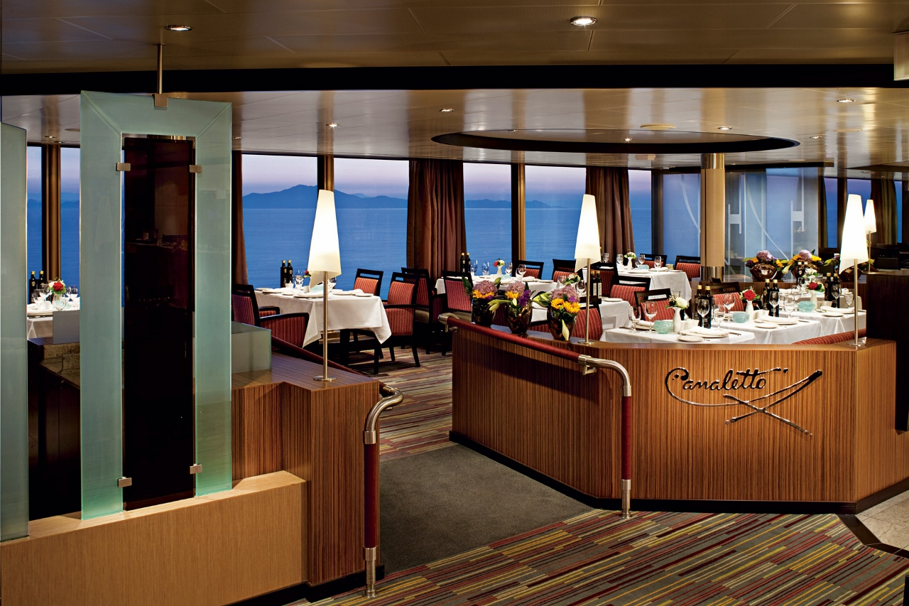 The fine Italian dining room Canaletto features on MS Noordam.