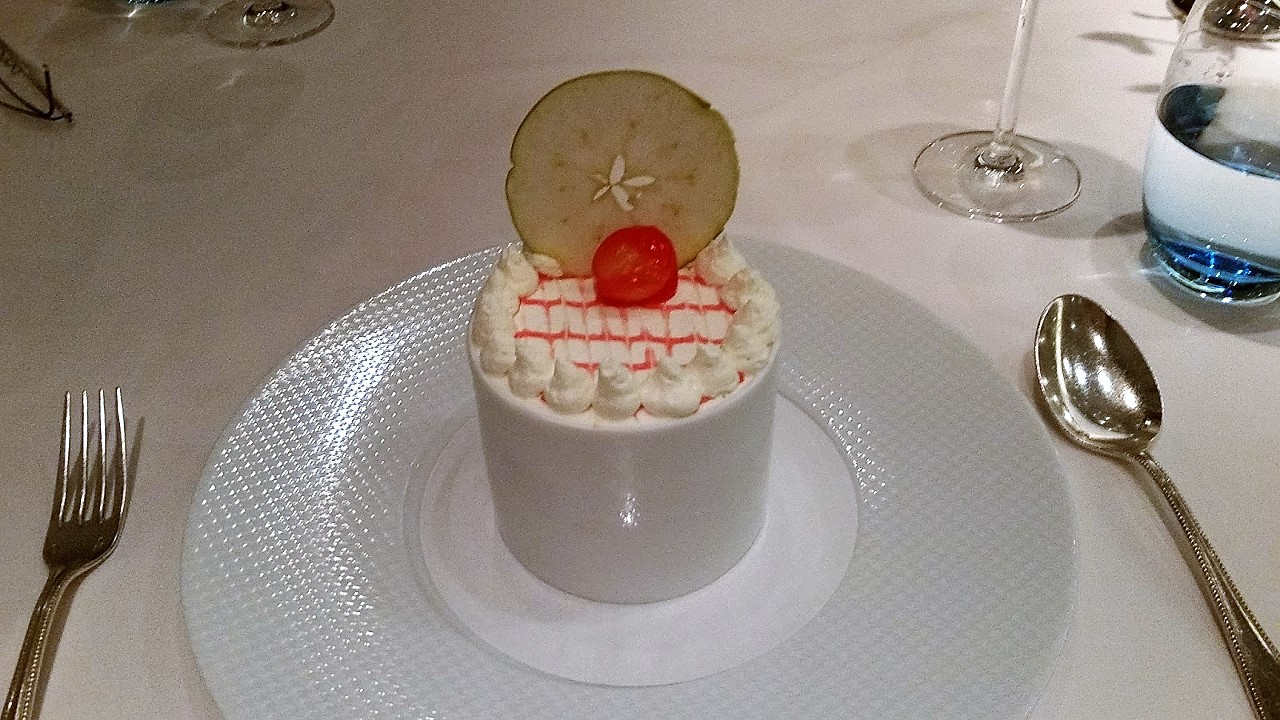 Seabourn serves up Granny Smith Apple & Champagne Trifle.