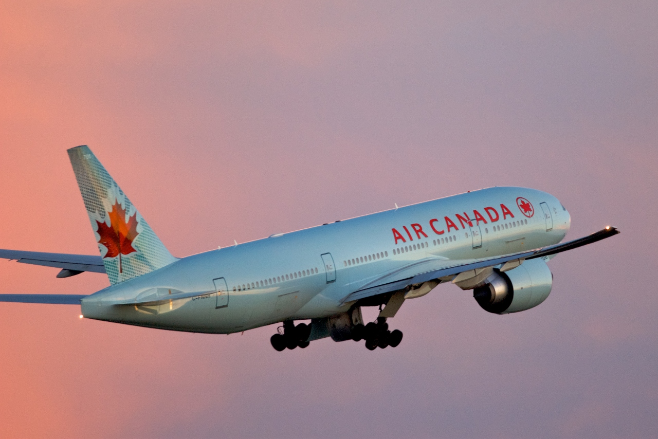 Air Canada flies a Boeing 777 aircraft to Sydney and a 787 Dreamliner to Brisbane.