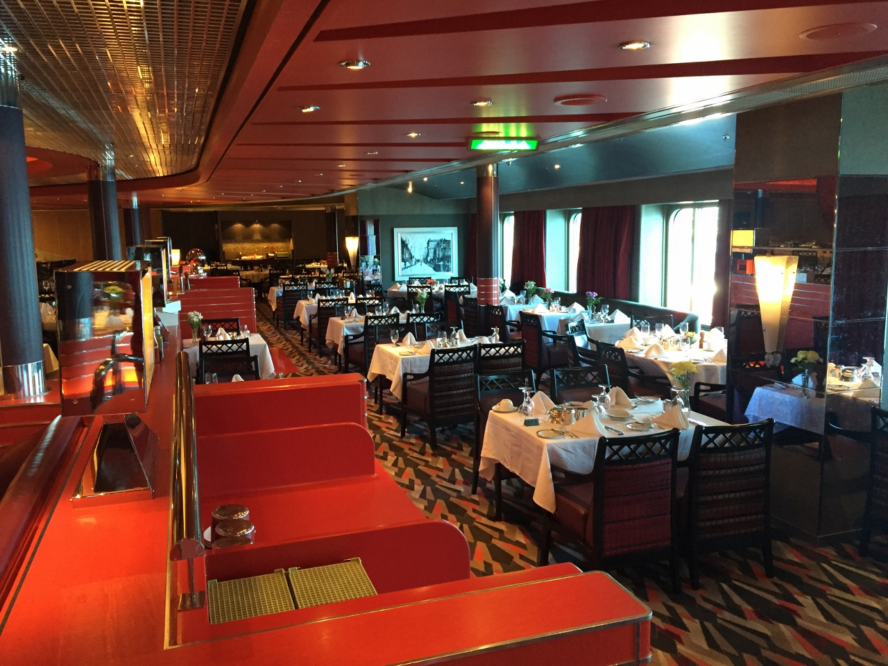 The decoration of the Manhattan Dining Room on MS Nieuw Amsterdam.