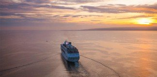 Stay onboard your ship for a back-to-back sailing and receive perks.
