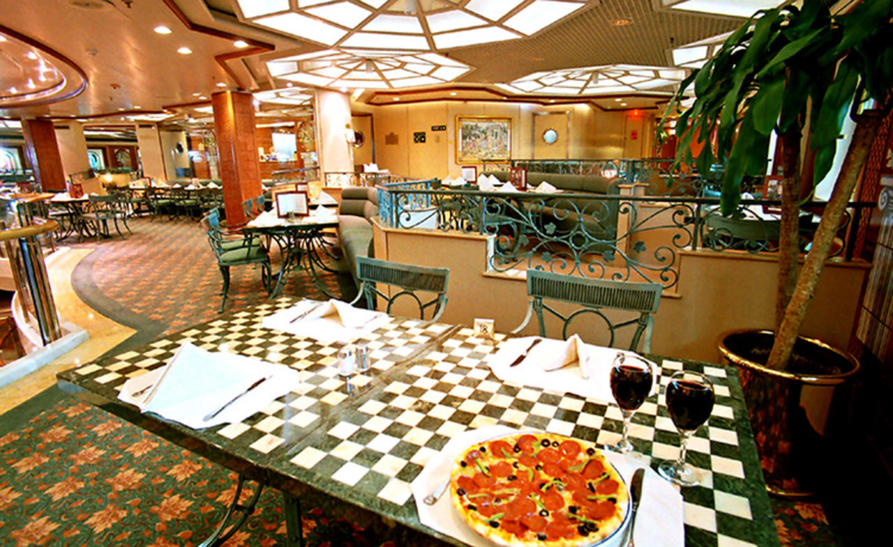 Cafe Corniche on Sea Princess is a popular spot for pizzas and antipasti dishes.