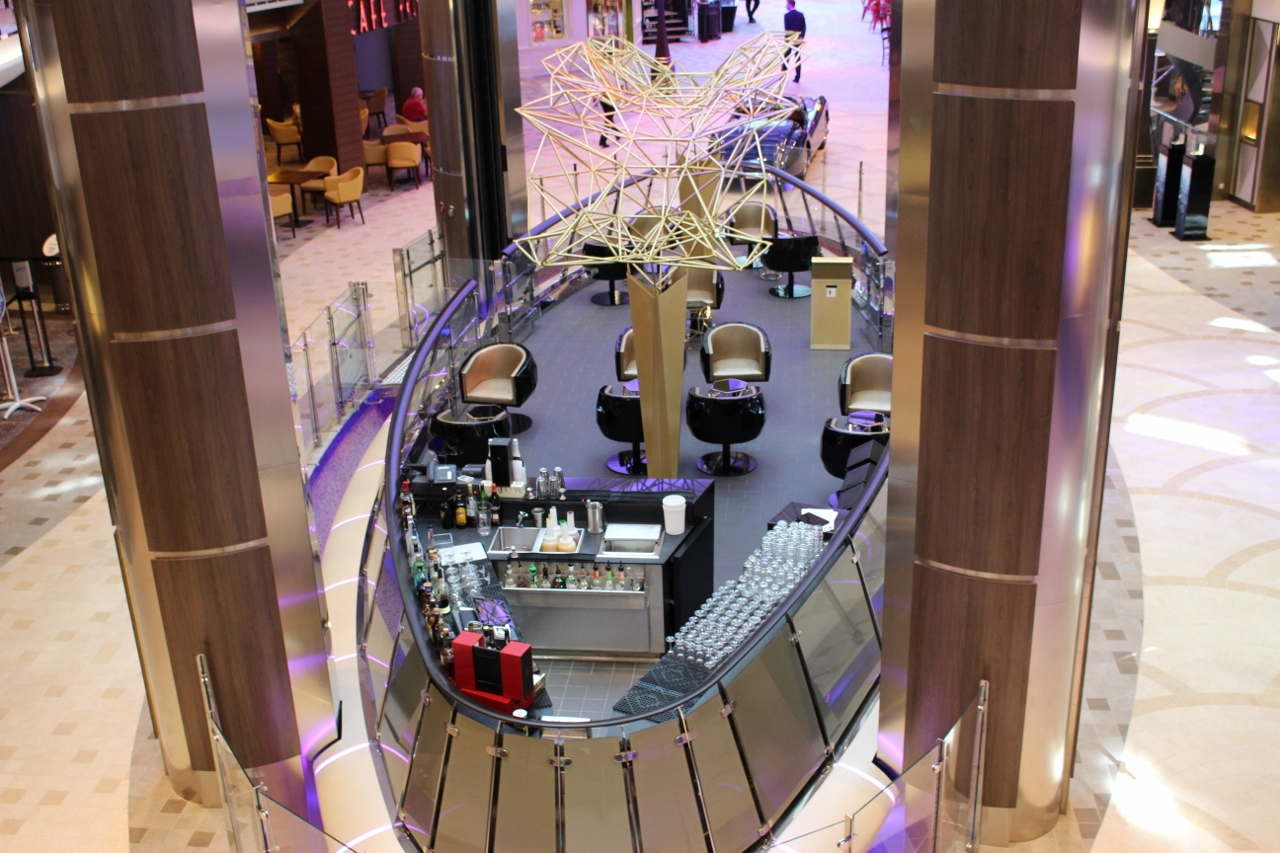 Like its sisters, Harmony of the Seas features the elevating Rising Tide Bar.