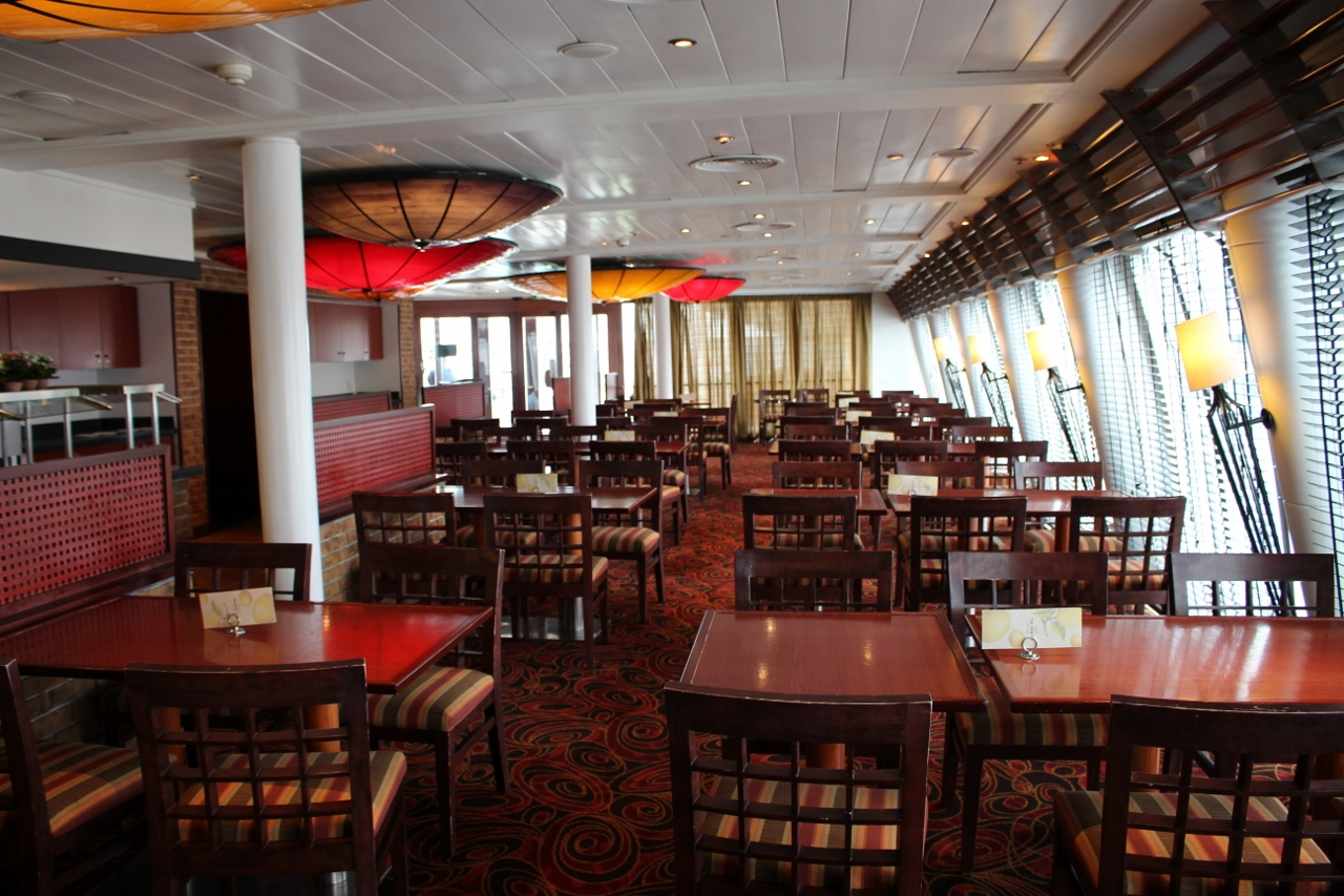 Luna Restaurant is a specialty option on Pacific Jewel serving tasty Asian cuisine.