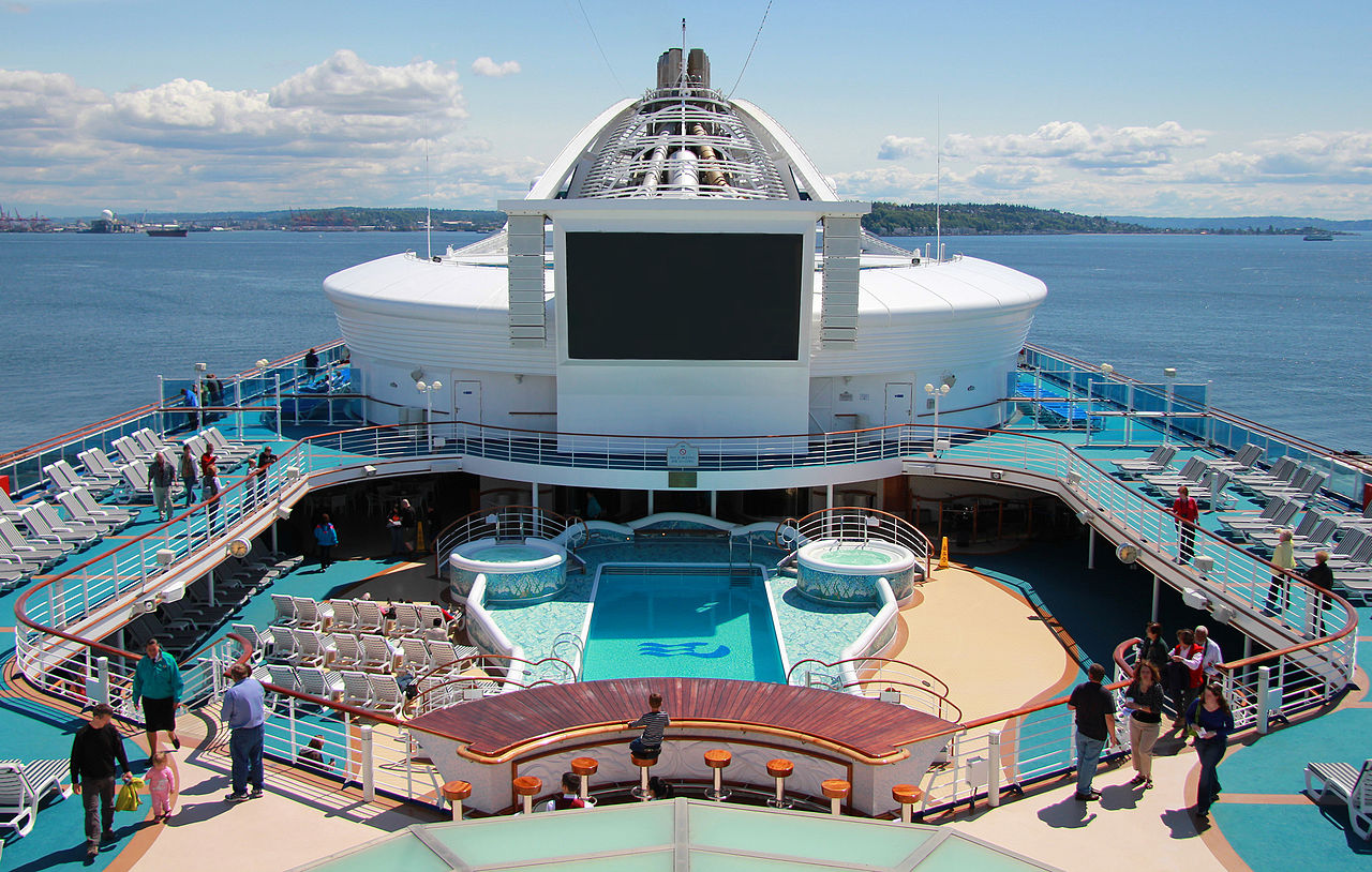 The Movies Under the Stars screen on Golden Princess will be showing New Zealand films as part of the 'Across the Ditch' program.