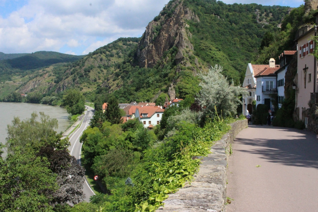 Situated in the Wachau Valley, Durnstein is a delightful town with an extensive history.