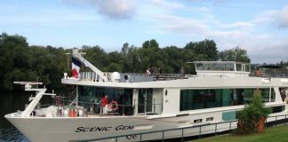 Scenic Gem was crafted especially for the rivers of France.