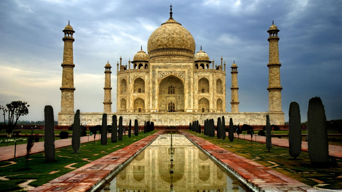 The Taj Mahal and Golden Triangle can be easily added to a cruise to or from Mumbai.