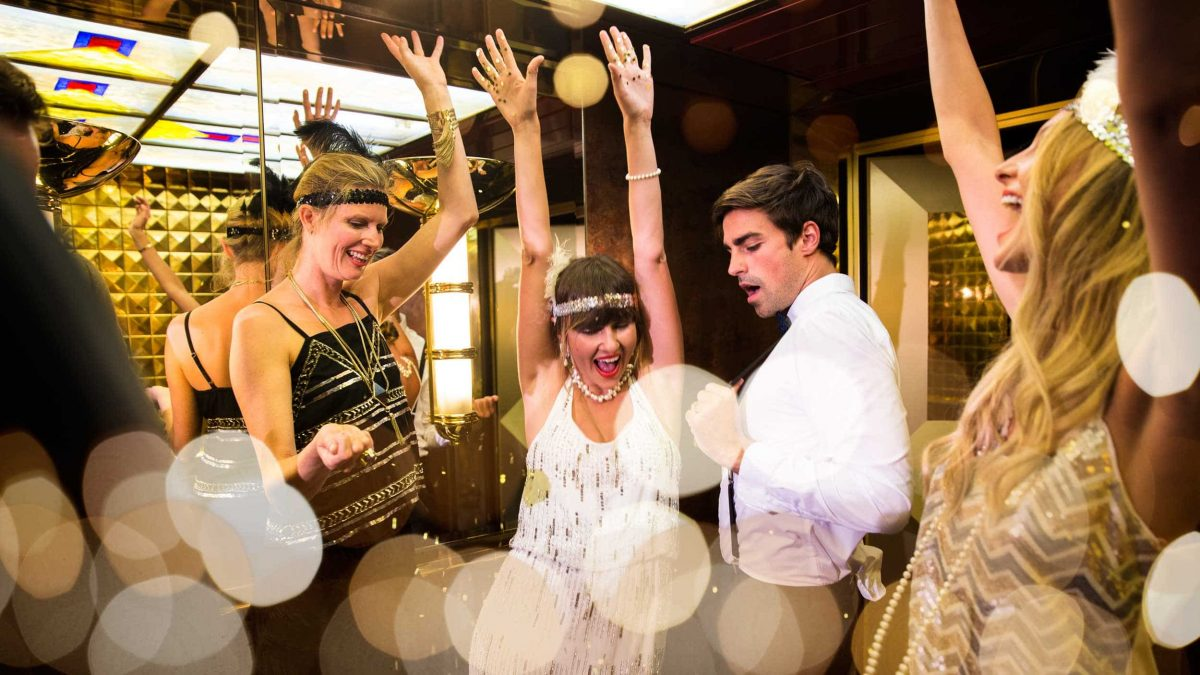 P&O's New Years Eve party takes a Gatsby theme.