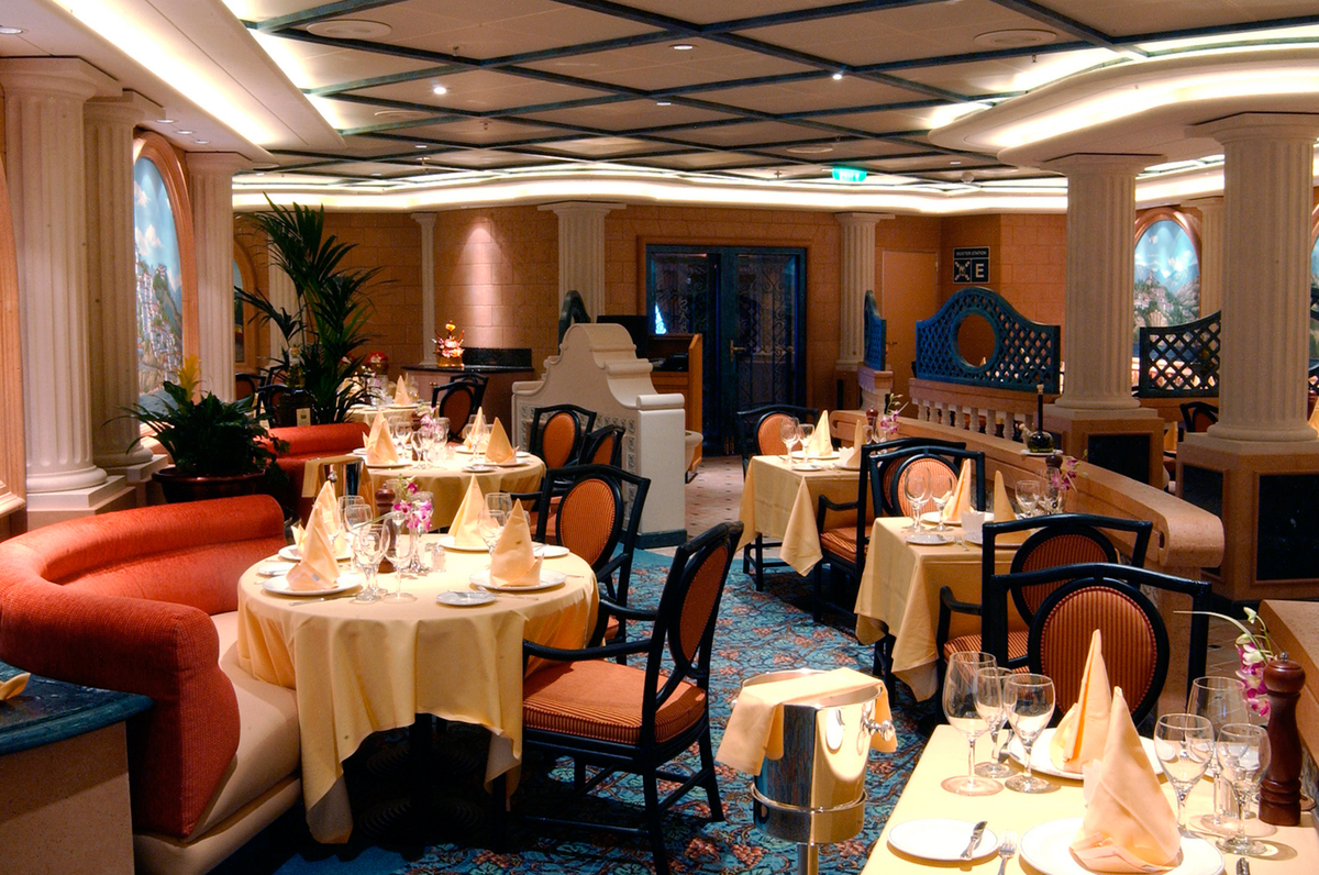 Sabatini's is always an elegantly decorated venue, such as this one on Diamond Princess.